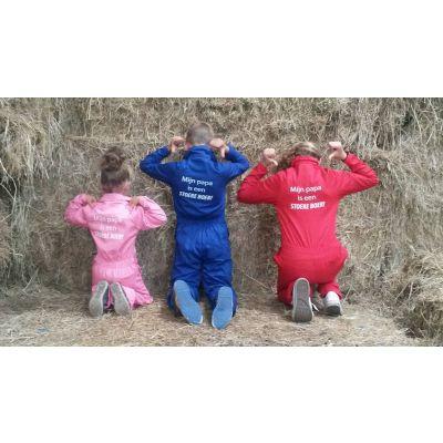 Kinderoverall Rood/Roze/Blauw, tekst: MIJN PAPA IS EEN STOERE BOER! / MIJN OPA IS EEN STOERE BOER!